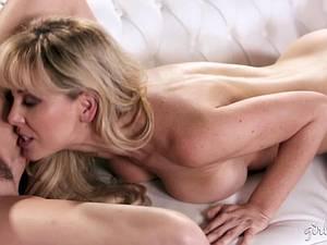 Hot MILF Cherie DeVille licking Lexi Belle's pussy