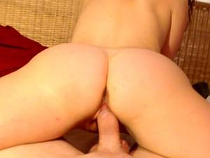 Amateur cutie takes a wet creampie to her tight pink pussy