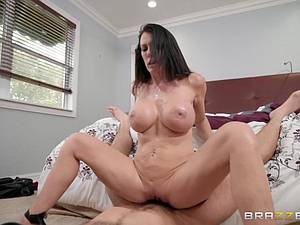 Reagan Foxx is a true MILF minx that needs a dicking