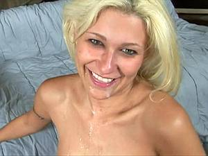 Cindy's first deepthroat lesson