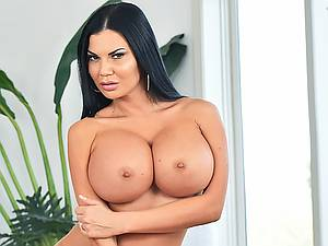 My strict busty stepmother Jasmine Jae sucks my big cock best of all