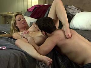 Kayden Kross has a wide throat