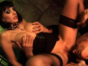 Steamy threesome at the dungeon