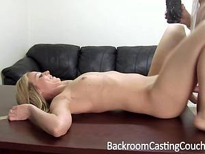 Butterface trying anal during her casting